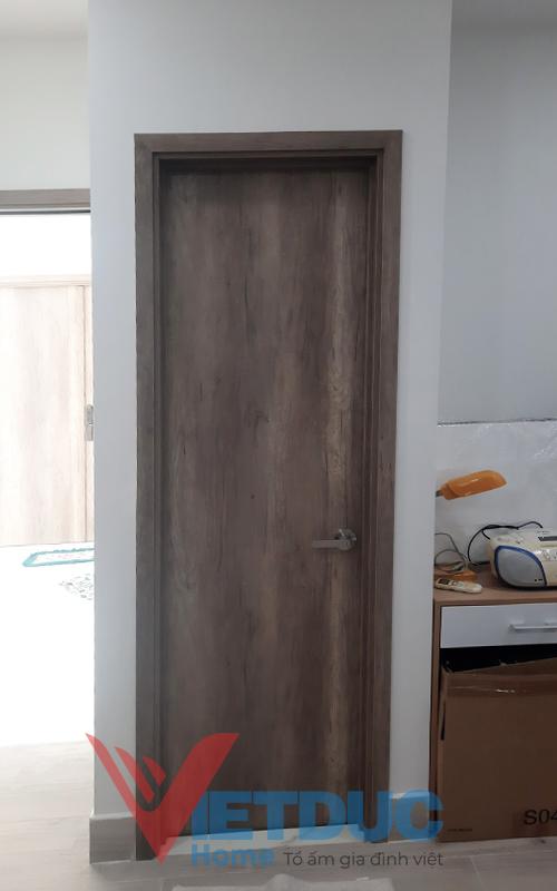 Cửa phòng ngủ gỗ công nghiệp phổ